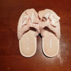 Victoria secret slippers are size small